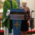 Prest Lars Sperre, her sammen med leder i Diakoniutvalget Gerd Valset.
